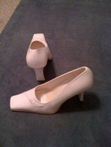 REDUCED!White Italian Pumps, size 8 in DeRidder, Louisiana